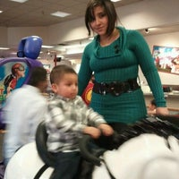 Photo taken at Chuck E. Cheese's by Ladi G. on 2/19/2012