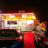 Photo taken at Hooters by Iam B. on 9/9/2012