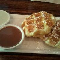 Photo taken at Medina Café by Dickson L. on 8/18/2012