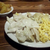 Photo taken at Cracker Barrel Old Country Store by Craig S. on 12/22/2011