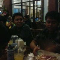 Photo taken at Nusantaraku resto & cafe by Putu A. on 10/29/2011