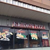 Photo taken at Elidios' Pizza by 🔥ɖⓐNⓙƲι🔥 . on 7/14/2012