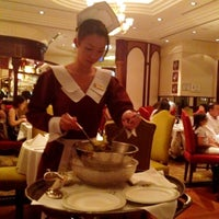 Photo taken at Lawry's The Prime Rib by Qing on 6/14/2012