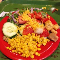 Photo taken at Sweet Tomatoes by Ruchama L. on 8/26/2012