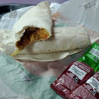 Photo taken at Taco Bell by Dereck J. on 1/31/2012