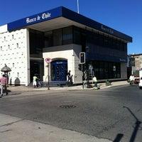 Das Foto wurde bei Banco De Chile von Oscar V. am 1/25/2012 aufgenommen