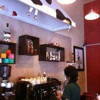 Photo taken at Fingen Café by Joan_ne F. on 2/15/2012