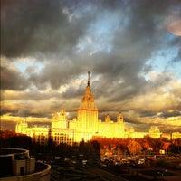 Photo taken at Факультет политологии МГУ by Gudinni C. on 10/13/2011
