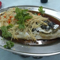 Photo taken at Lucky Steam Fish Restaurant by Ivan Hah Wai H. on 8/25/2012