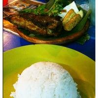 Photo taken at Banafee Village Restaurant by Mastura A. on 7/9/2011