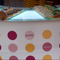 Photo taken at Big Apple Donuts by Nur Alisha on 10/30/2011