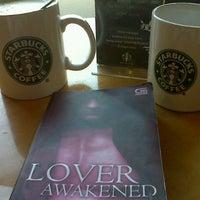 Photo taken at Starbucks by Disty Puji Astuti K. on 7/16/2012