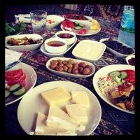 Photo taken at Yavuz'un Yeri by Sinan C. on 9/7/2012