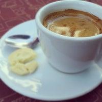 Photo taken at Café do Porto by Arthur A. on 7/25/2012