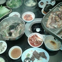 Photo taken at Honey Pig Gooldaegee Korean Grill by Eileen C. on 3/24/2012