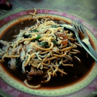 Photo taken at Mie Aceh Sigli Jaya by Mayang A. on 8/28/2012