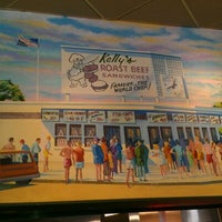 Photo taken at Kelly's Roast Beef by Kathleen R. on 8/26/2012