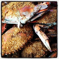 Photo taken at Harris Crab House by Elly Shariat™ -. on 4/21/2012