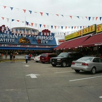 Photo taken at Maine Avenue Fish Market by Kaufman N. on 7/22/2012