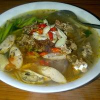 Photo taken at Bánh Đa Cua-Đại Học Công Đoàn by Gà C. on 2/28/2012
