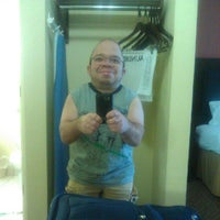 Photo taken at Holiday Inn Express & Suites Alcoa (Knoxville Airport) by Christopher D. on 5/31/2012
