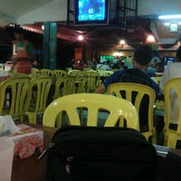Photo taken at Mek Su Tomyam & Seafood by Airy K. on 3/25/2012