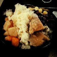 Photo taken at Snowflake (雪花棧) by Jenn W. on 3/22/2012
