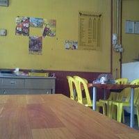 Photo taken at Alias Serama Cafe by M Azra A. on 6/25/2012