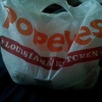 Photo taken at Popeyes Louisiana Kitchen by Tameka J. on 4/7/2012