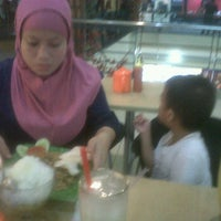 Photo taken at Bakso Jawir Daan Mogot Mall by Arif S. on 7/26/2012
