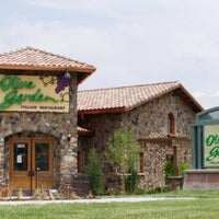 Photo taken at Olive Garden by Joseph V. on 8/2/2012