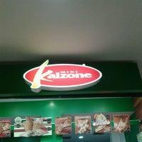 Photo taken at Mini Kalzone by Marco Antonio S. on 4/7/2012