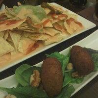 Photo taken at Magnolia Restaurant by La Conseguidora on 9/10/2012