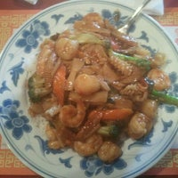 Photo taken at Twin Lion Chinese Restaurant by Kevin B. on 5/19/2012
