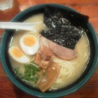 Photo taken at 久留米らーめん 鐵釜 六本木ヒルズ店 by Toshiyuki F. on 8/2/2012