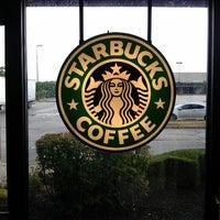Photo taken at Starbucks by Roman G. on 7/13/2012
