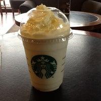 Photo taken at Starbucks by Laudya J. on 8/15/2012