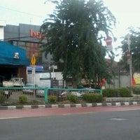 Photo taken at Bank BTPN KC Jatinegara by Roestam A. on 3/5/2012