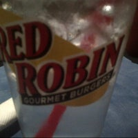 Photo taken at Red Robin Gourmet Burgers by Lissa U. on 9/10/2012