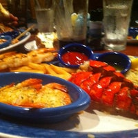 Photo taken at Red Lobster by Özgen on 8/1/2012