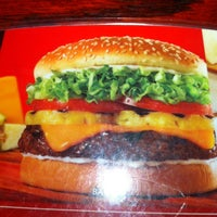 Photo taken at Red Robin Gourmet Burgers by Derrick N. on 6/6/2012
