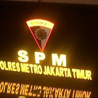 Photo taken at Polres Metro Jakarta Timur by Randy A. on 8/8/2012