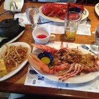Photo taken at Legal Sea Foods by Linda B. on 3/16/2012