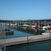 Photo taken at Fourwinds Lakeside Inn & Marina by Steven S. on 8/1/2012