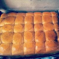 Photo taken at Tok Ayah Bakery (Roti Naik) by Irwan A. on 8/29/2012