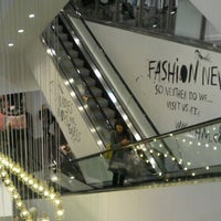 Photo taken at H&M by shirley k. on 3/6/2012