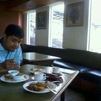 Photo taken at Klub Bunga Butik & Resort by papayola on 5/12/2012