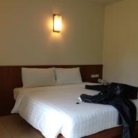 Photo taken at ChaiYaPruek Suites by MEGAOHM พ. on 7/21/2012