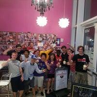 Photo taken at Yogurberry Frozen Yogurt Café by Brian H. on 8/31/2012