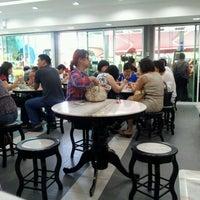 Photo taken at Restoran Ho Ho Sek (好好吃) by Chang N. on 5/27/2012